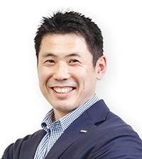 秋川 健次郎 氏